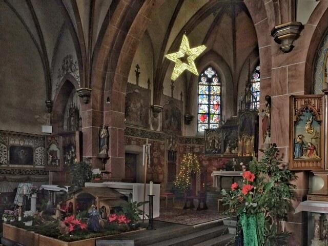 Pfarrkirche St. Lubentius zur Weihnachtszeit 2020